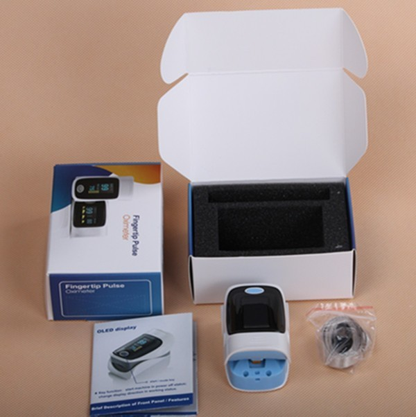 Digital color display finger pulse oximeter YK - 80 for SPO2 and pulse check